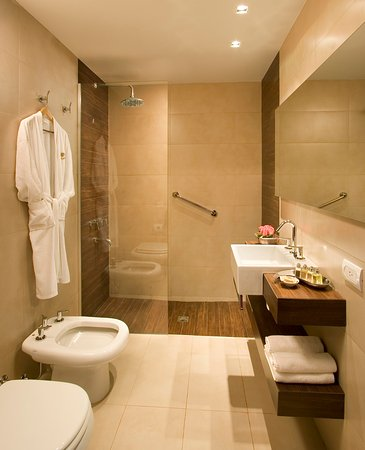 The Glu Hotel: Baño de habitacion