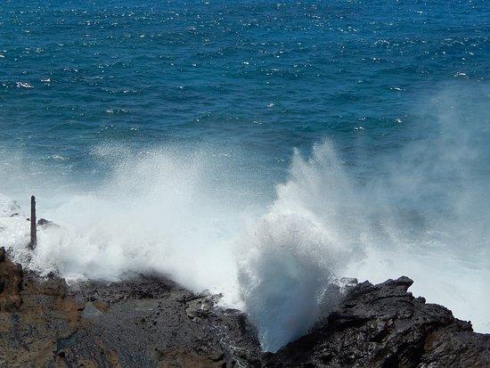 写真潮吹き岩枚