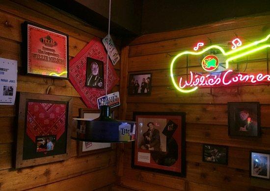 Texas Roadhouse : The Willie Nelson Corner