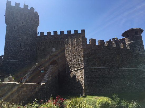 Castello di Amorosa: outside the castle