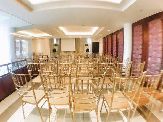 Interior - Picture of Palm Star Suites, Luzon - Tripadvisor