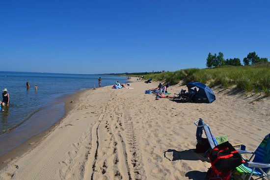 Saugatuck, MI: View down the beach