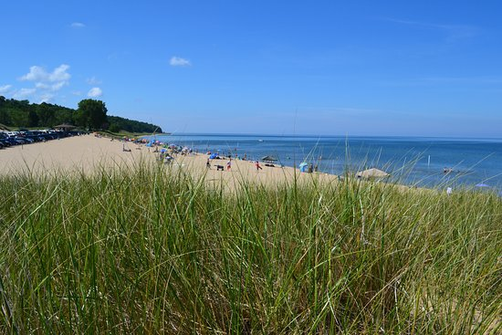 Saugatuck, MI: View from the top of the dune at the end of the beach