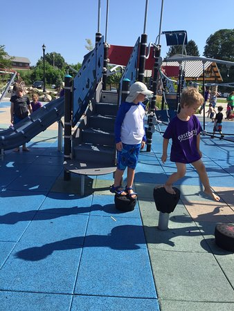 Mishawaka, IN: Lovely splash pad, wonderful and extensive new playground equipment with a great deal of seating