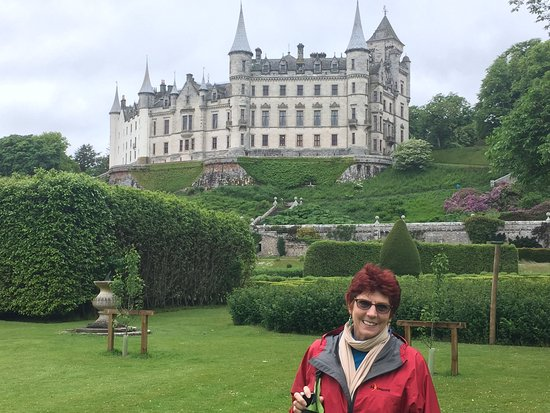 Dunrobin Castle and Gardens: Castle View from the Garden