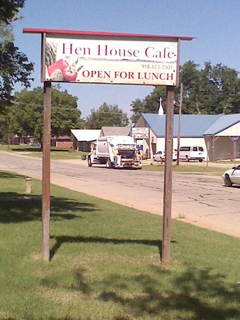 Okemah, OK: Sign out front