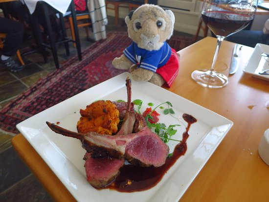 Restaurant 301: The lamb with sweetbreads was yummy!