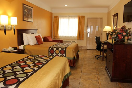Texas Inn & Suites McAllen Airport / Mall