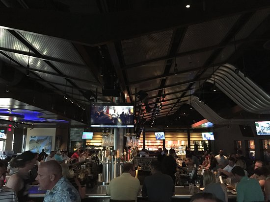 Exceptional Yard House Bar Area