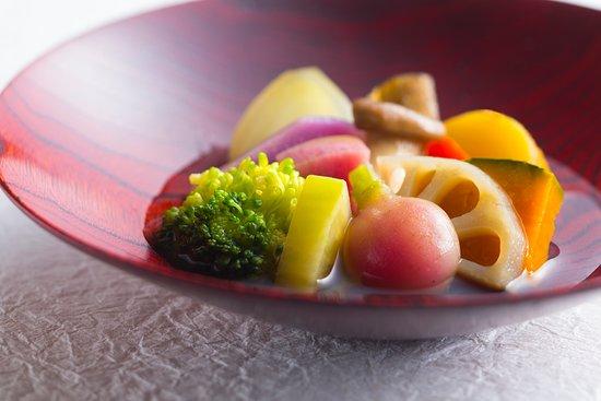 Toraya : 15種類の季節野菜のおひたし 15kinds of vegetable with broth