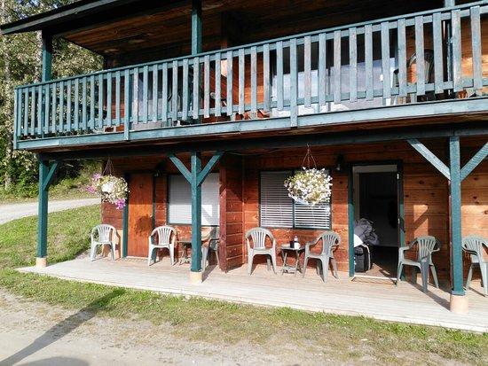 Helmcken Falls Lodge: IMG_20160802_080000_large.jpg