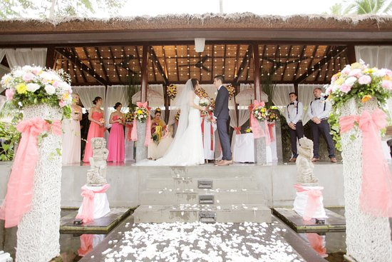 Legian Beach Hotel: Wedding gazebo