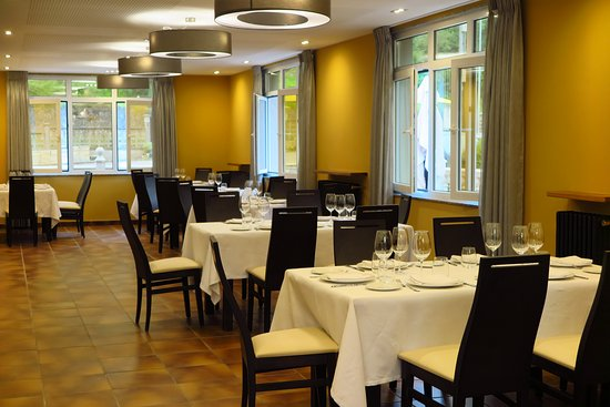 Restaurante el filandon gijon restaurant reviews phone for Hotel arena gijon