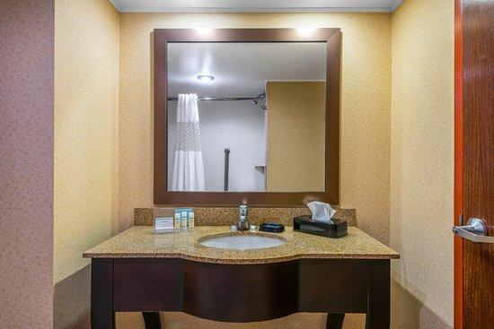 Mineral Wells, فرجينيا الغربية: Bathroom