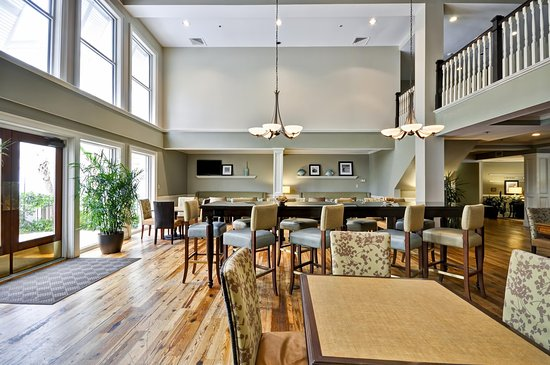 Hampton Inn and Suites Charleston/Mt. Pleasant-Isle Of Palms: Breakfast Dining Area