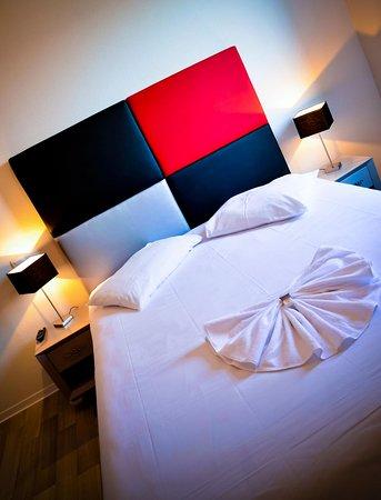 Adonis Bayonne Hotel