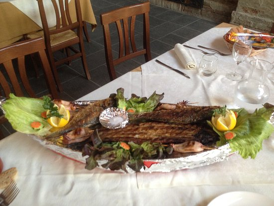 Massa Fiscaglia, Italia: Repas de poissons