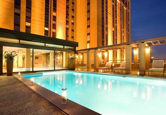 JW Marriott Houston: Indoor/ Outdoor Pool