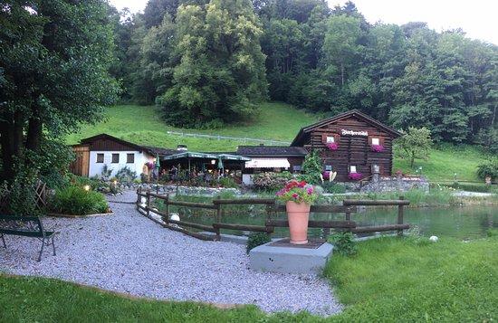 Gasthof Fischerstobli: Pracht ligging met eigen forel vijver