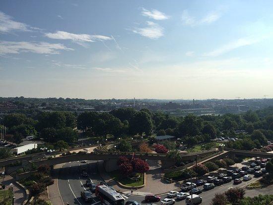 Holiday Inn Rosslyn @ Key Bridge: view
