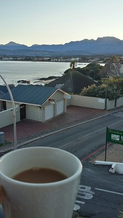 Gordon's Bay, Sudáfrica: 20160727_080623_Richtone(HDR)_large.jpg