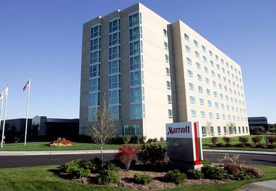 Chicago Marriott Southwest at Burr Ridge: Exterior