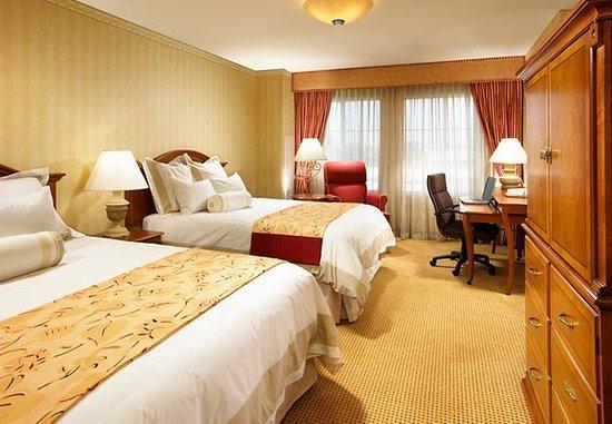 San Mateo, Californie : Deluxe Queen/Queen Concierge Guest Room