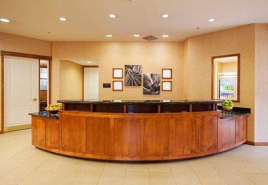 Residence Inn Phoenix Goodyear : Front Desk