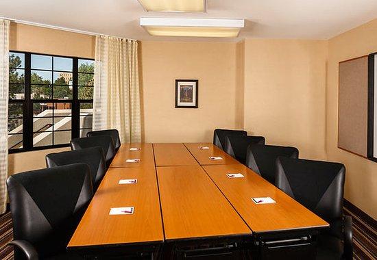 Residence Inn Denver Downtown: Boardroom