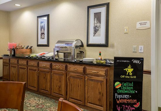 Independence, MO: Breakfast Buffet