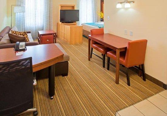 Residence Inn Louisville Downtown: Studio Suite