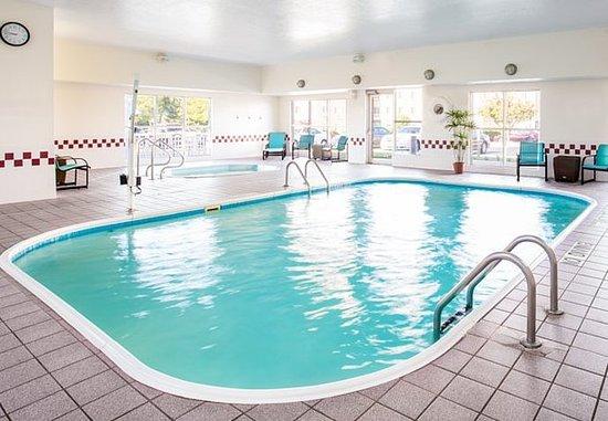 Residence Inn Rockford: Indoor Pool