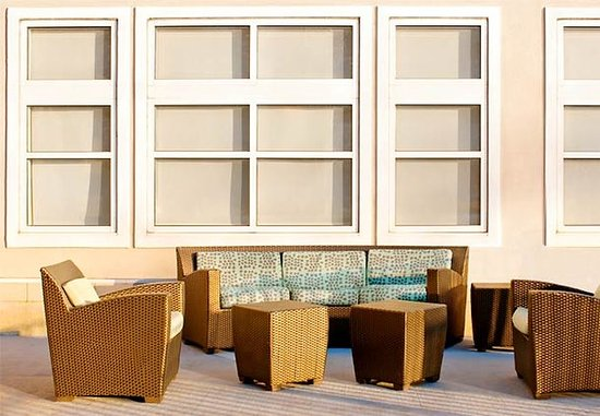 Residence Inn Newark Elizabeth/Liberty International Airport: Outdoor Space