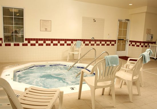 Residence Inn Holland: Indoor Whirlpool