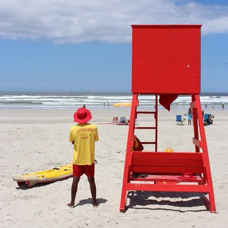 Hermanus, Republika Południowej Afryki: Life Guard on duty at Grotto Beach