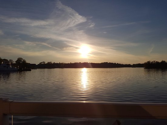 The Grill: Sunsetting over Gloucester Pool