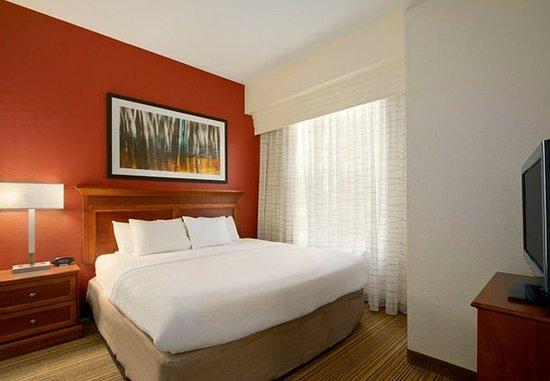Residence Inn Charleston Airport: Studio Suite Sleeping Area