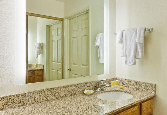 Residence Inn Merrillville: Guest Bathroom