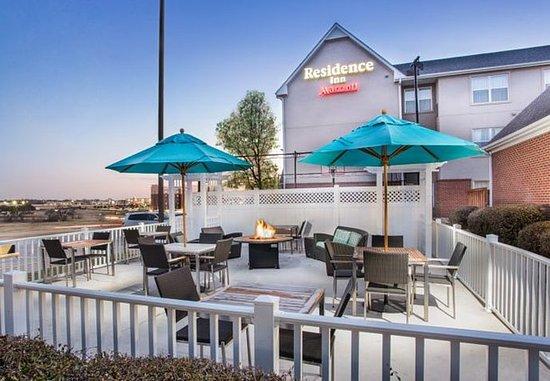 Residence Inn Dallas Lewisville: Outdoor Patio