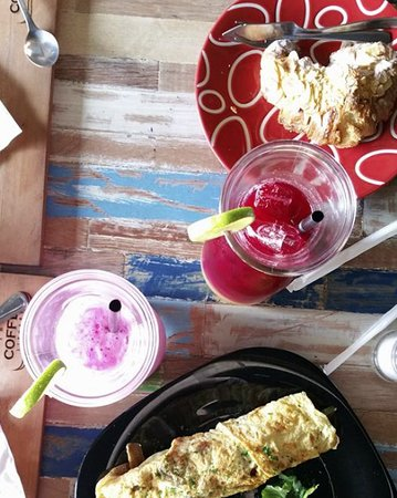 The Coffee Library: Breakfast with smoothies