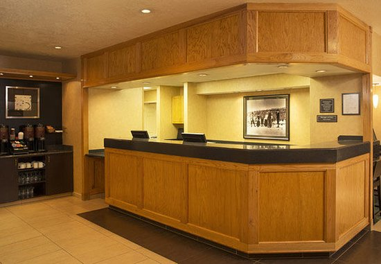 Residence Inn Durango: Front Desk