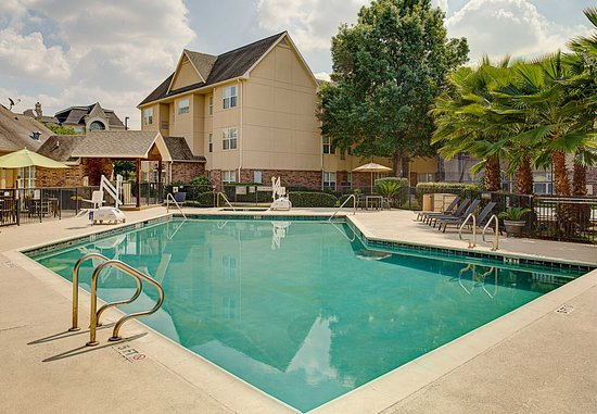 Residence Inn Houston Westchase on Westheimer: Outdoor Pool and Spa