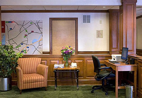TownePlace Suites Wilmington Newark/Christiana : Business Center
