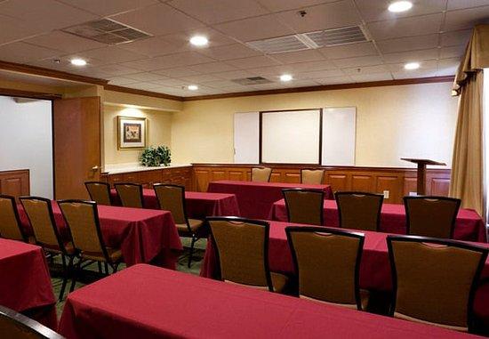TownePlace Suites Wilmington Newark/Christiana : Meeting Room – Classroom Setup