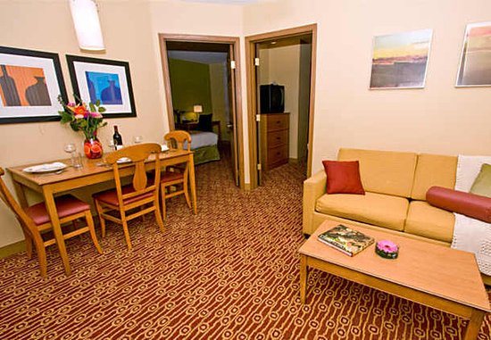 TownePlace Suites Fresno: Two-Bedroom Suites