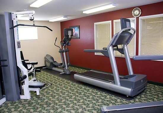 TownePlace Suites Milwaukee Brookfield : Fitness Center