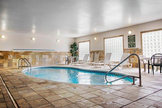 Comfort Inn and Suites : Pool