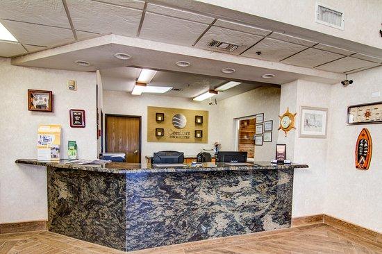 Comfort Inn & Suites Near Temecula Wine Country: Interior