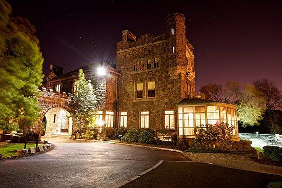 Tarrytown House Estate on the Hudson: Tarrytown_Wedding_BiddleDusk