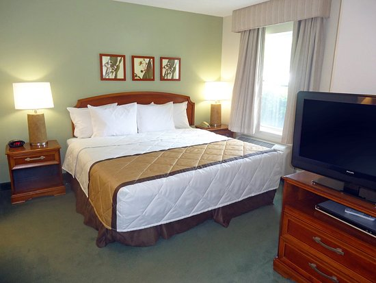 Colfax, Carolina del Norte: Deluxe Studio - 1 King Bed